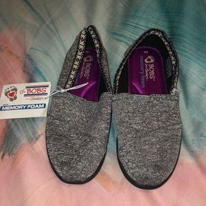 Bobs memory foam shoes girl size  11 NEW